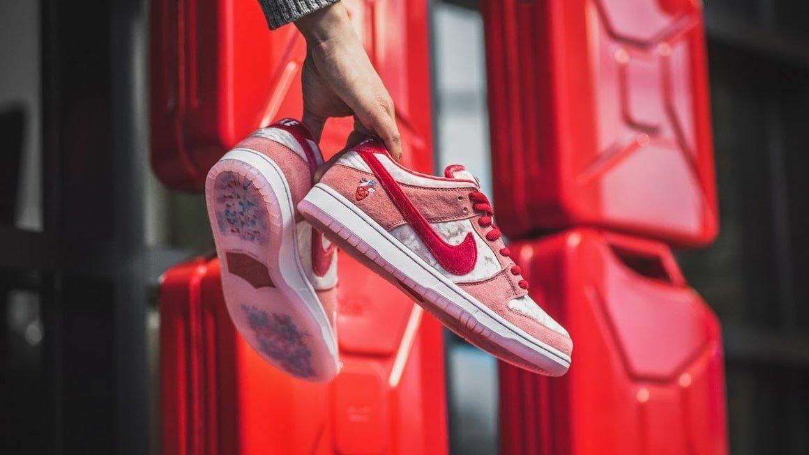 How to Spot a Fake Strangelove Skateboards x Nike SB Dunk Low ...