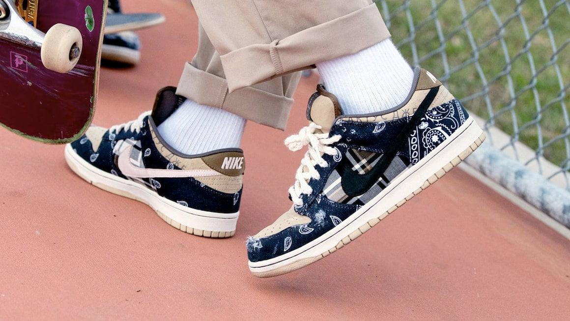 "How to Spot a Fake Travis Scott x Nike SB Dunk Low ""JackBoys ..."